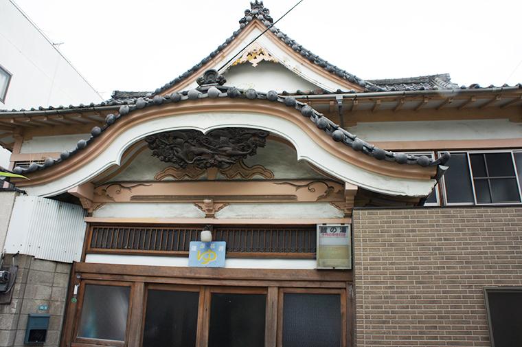 神社仏閣つくりの東京型銭湯